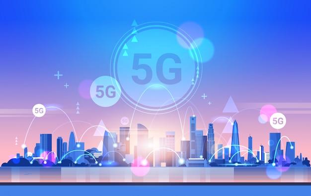 Smart city 5g sieć komunikacji online połączenie z systemami bezprzewodowymi