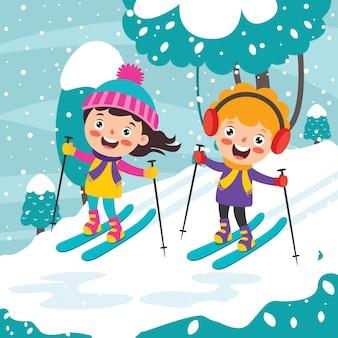 Śmieszne dzieci bawiące się w sezonie zimowym
