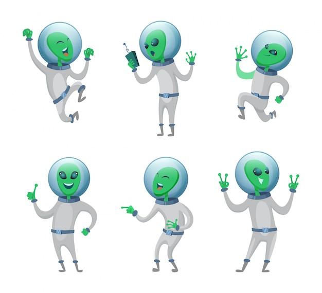 Śmieszni kosmici stojący w różnych pozach