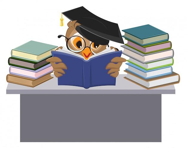 Sowa w mortarboard czytanie książki