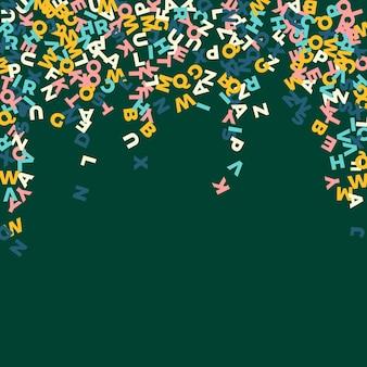 Spadające litery języka angielskiego. pastelowe słowa latające alfabetu łacińskiego. koncepcja nauki języków obcych. niezrównany powrót do szkoły transparent na tle tablicy.