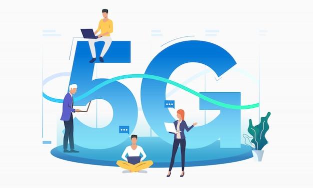 Specjaliści korzystający z szybkiej sieci 5g