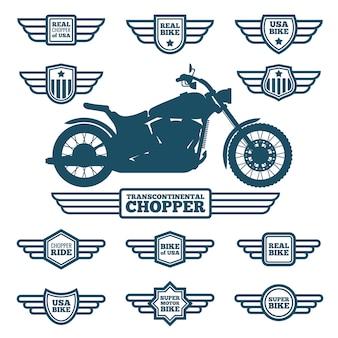Sportowa sylwetka motocykla i etykiety skrzydeł w stylu vintage. rowerzyści jeździć retro skrzydlaty logo wektor zestaw