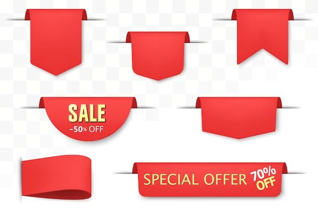 Sprzedam zestaw tagów. czerwone odznaki rabatowe i etykiety dużych ofert, wstążki i naklejki z ceną. realistyczne zwoje papieru