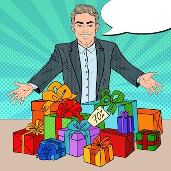 Sprzedawca z przecenionymi prezentami