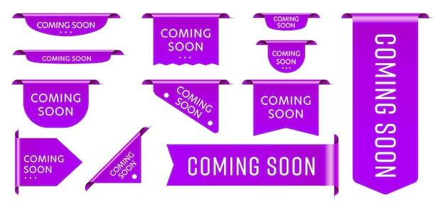 Sprzedaż tagów wstążka już wkrótce zestaw ogłoszeń promocyjnych. fioletowa realistyczna trójwymiarowa etykieta na taśmie