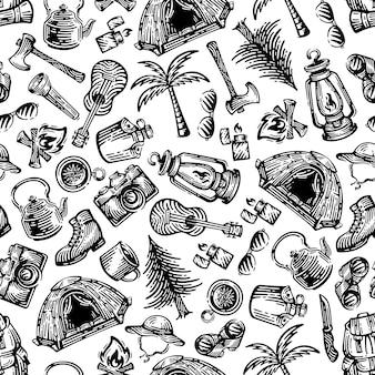 Sprzęt kempingowy bez szwu wzorów. projekt doodles na białym tle.