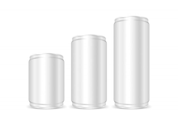 Srebro w puszkach, srebrne puszki żelazne, na białym tle ustaw puste metalowe srebrne piwo lub puszki po napojach