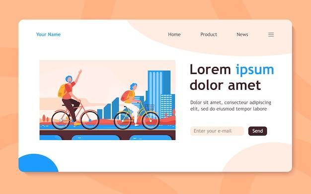 Starszy para jedzie na rowerach. stary mężczyzna i kobieta jeżdżą na rowerze na płaskiej stronie docelowej miasta. aktywny styl życia, wypoczynek, koncepcja aktywności na baner, projekt strony internetowej lub strona docelowa