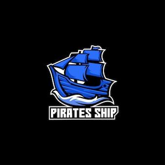 Statek piratów drewniana żaglówka fala marine