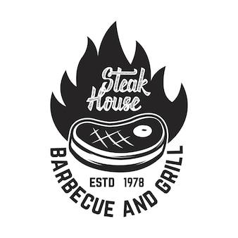Stek. pokrojone mięso i skrzyżowane tasaki. element logo, etykiety, godła. ilustracja