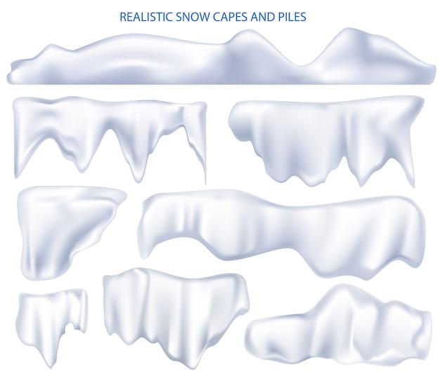 Stosy peleryn śniegu. realistyczny zestaw śnieżnobiałych peleryn i czapek śnieżnych