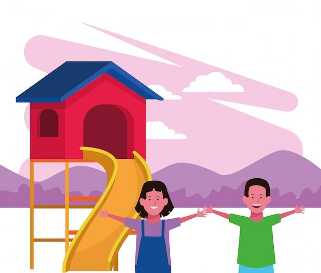Strefa dla dzieci, szczęśliwy chłopiec i dziewczynka z domowym placem zabaw