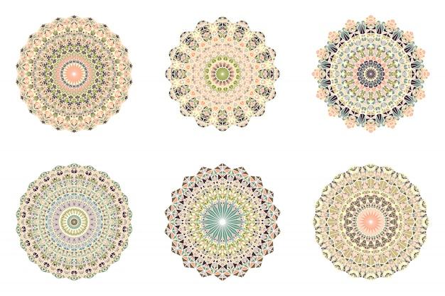 Streszczenie geometryczne kwiecisty okrągły mozaika trójkąt ornament mandala zestaw