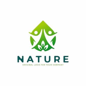 Streszczenie logo ze zdrową ludzką koncepcją i naturalnym życiem