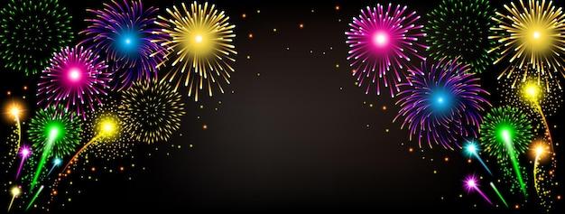 Streszczenie złoty fajerwerk na czarnym tle na przyjęcie z okazji uroczystości