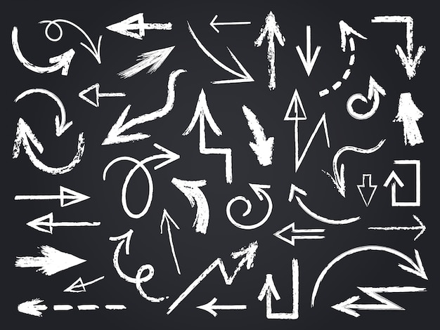Strzałka szkic kredą. ręcznie rysowane kredowe strzałki, elementy graficzne tablicy, znaki strzałek kredy na zestaw ikon tablicy. strzałka szkic kredą, ilustracja tablica zarys bazgrołów