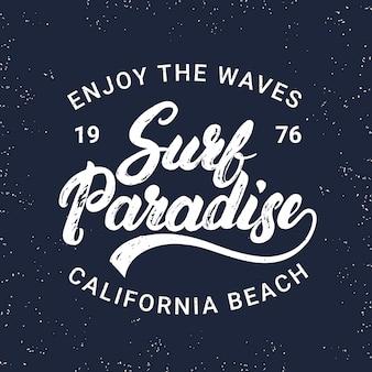 Surf w raju odręczny napis typografii