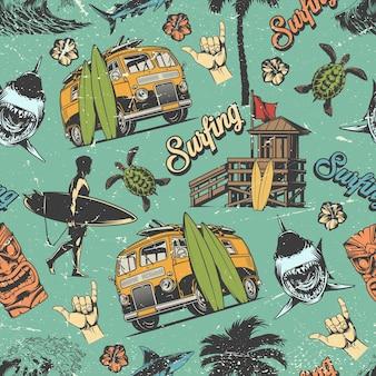 Surfing vintage kolorowy wzór z surferem trzymającym deskę surfingową, drewniany dom, rekiny i żółwie