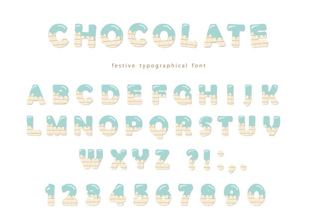 Świąteczna czcionka czekoladowa. śliczne litery i cyfry na białym tle.