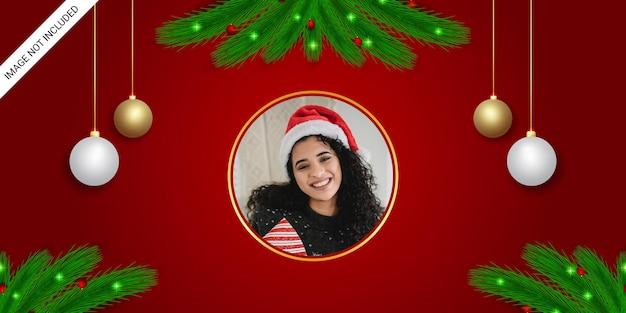Świąteczne powitanie baner ramka na zdjęcia czerwone białe i złote kulki zielony liść z bożonarodzeniowymi światłami