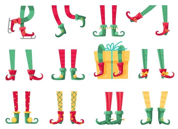Świąteczne stopy elfa. pomocnicy świętego mikołaja, urocze nogi elfów w butach i skarpetki w paski. noga krasnoluda i prezenty, prezent świąteczny i pocztówki kreskówka wektor na białym tle zestaw