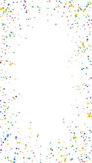 Świąteczne wielkie konfetti. gwiazdy uroczystości. jasne konfetti na białym tle. pobieram świąteczny szablon nakładki. pionowe tło wektor.
