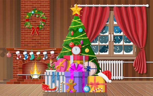 Świąteczne wnętrze pokoju z drzewem, oknem, prezentami i ozdobionym kominkiem. wesołych świąt bożego narodzenia