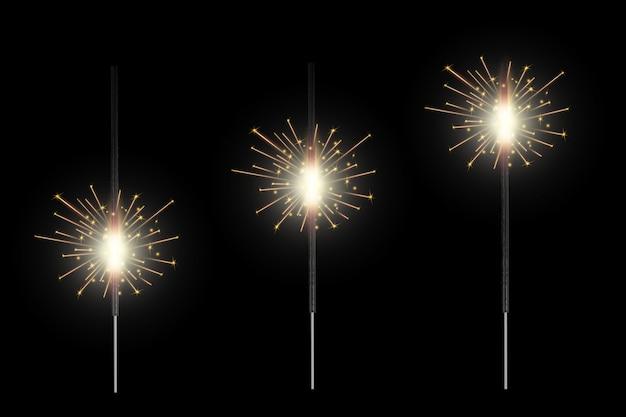 Świąteczny ogień bengalski świeci lekkimi iskrami, fajerwerkami