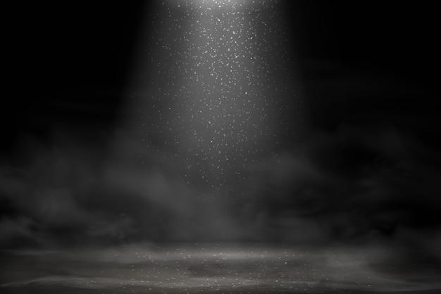 Światło sceniczne, efekt białych brokatowych świateł z promieniami, belkami i opadającym błyszczącym pyłem na podłogę. błyszczący reflektor na scenę. reflektor oświetlający dym z mgłą na ciemnym tle.