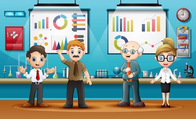 Światowy dzień nauki z naukowcami w sali laboratoryjnej