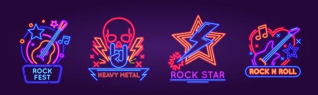 Świecące neonowe szyldy na logo festiwalu rockowego, zespołu lub klubu. znak świetlny na imprezę muzyczną rock n roll z punkową czaszką i gitarami. akustyczne i elektryczne instrumenty muzyczne do heavy metalu