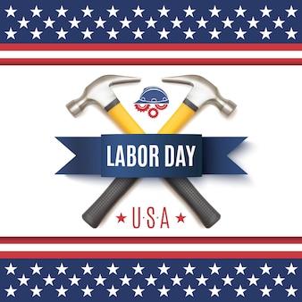Święto pracy w usa z dwoma buczkami, niebieską wstążką, kaskiem roboczym i biegami, na szczycie abstrakcyjnej flagi amerykańskiej.