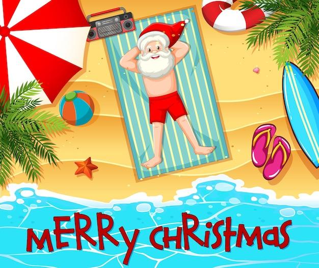 Święty mikołaj kąpieli słonecznych na plaży z elementem lata i czcionką wesołych świąt