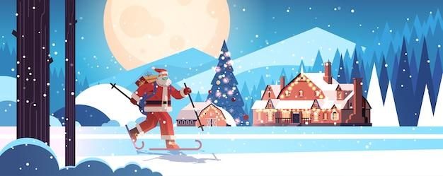 Święty mikołaj w masce na nartach z pudełka na prezenty szczęśliwego nowego roku wesołych świąt bożego narodzenia koncepcja uroczystości zimowy las krajobraz tło pełnej długości pozioma ilustracja wektorowa