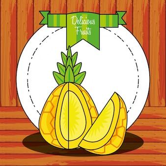 Świeży zdrowy owoc ananasa