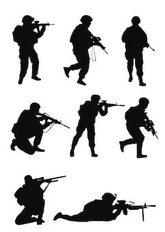 Sylwetki żołnierzy na białym tle