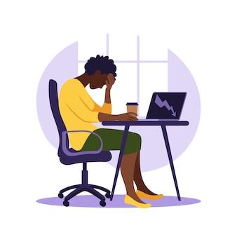 Syndrom wypalenia zawodowego. ilustracja zmęczony afrykański pracownik biurowy siedzi przy stole. sfrustrowany pracownik, problemy ze zdrowiem psychicznym. ilustracja wektorowa w stylu płaski.