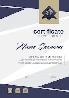 Szablon certyfikatu z czystym i nowoczesnym wzorem, pusty szablon certyfikatu kwalifikacji z elegancką ilustracją