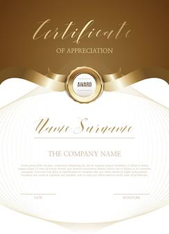 Szablon certyfikatu ze złotymi dekoracjami