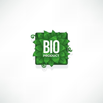 Szablon etykiety produktu bio z zielonymi liśćmi i kompozycją napisów