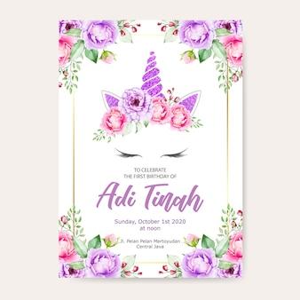 Szablon karty urodziny zaproszenie, ładny jednorożec graficzny z wieniec z kwiatów