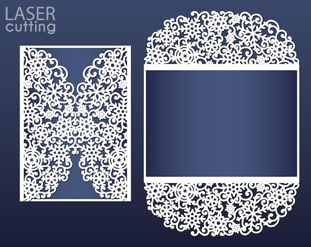 Szablon karty zaproszenie wycinane laserem. wycinana papierowa brama fałdowa z wzorem płatków śniegu