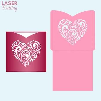 Szablon koperty kieszonkowej z wzorzystym sercem na kartkę walentynkową.