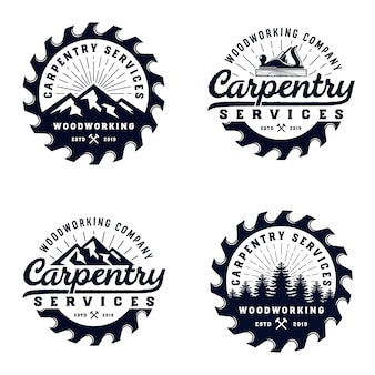 Szablon logo stolarskie rocznika odznaka drewna z elementem górskim