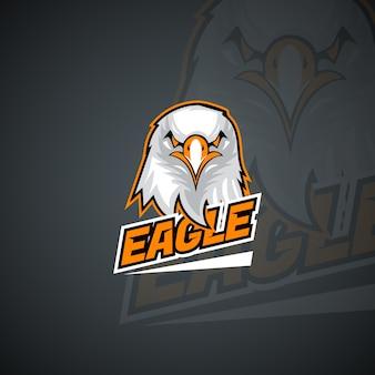 Szablon logo t-shirt z wściekłym orłem. grafika wektorowa wysokiej rozdzielczości