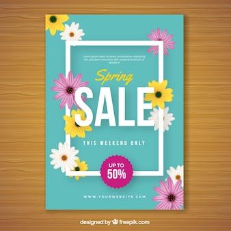 Szablon niebieski okładka z kwiatami do sprzedaży wiosną