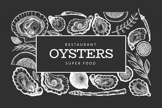 Szablon ostryg i przypraw. ręcznie rysowane ilustracja na tablicy kredą. banner z owocami morza. może być stosowany do menu, opakowań, przepisów kulinarnych, etykiet, targu rybnego, produktów z owoców morza.