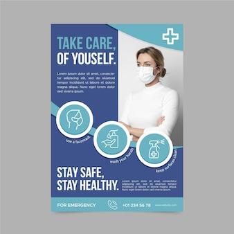 Szablon plakatu informacyjnego ze zdjęciem koronawirusa