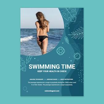 Szablon plakatu pływackiego ze zdjęciem